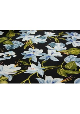 Cupro magnolie na czarnym tle - 4