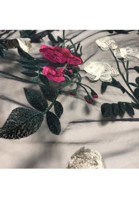 Tiul z kwiatowym haftem V - 5